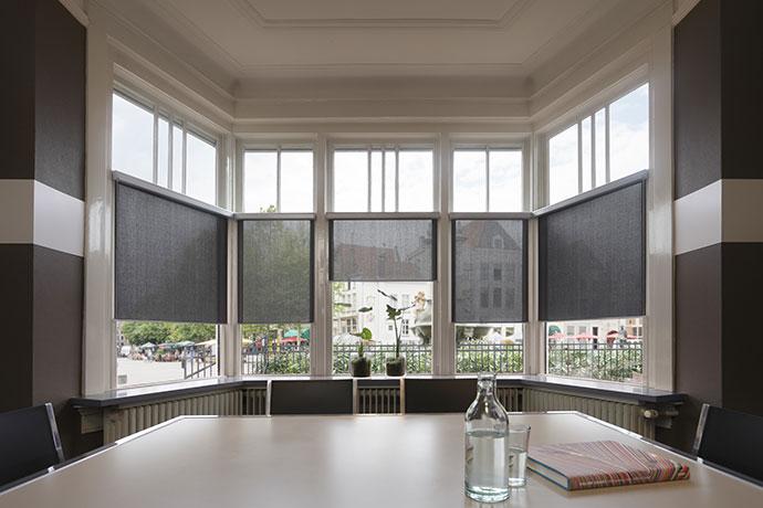 Rolgordijnen Slaapkamer 9 : Match je raambekleding bij je huis woonzinnig